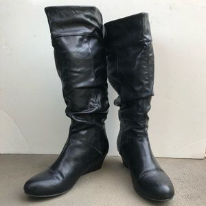 Ladies wedge boots black